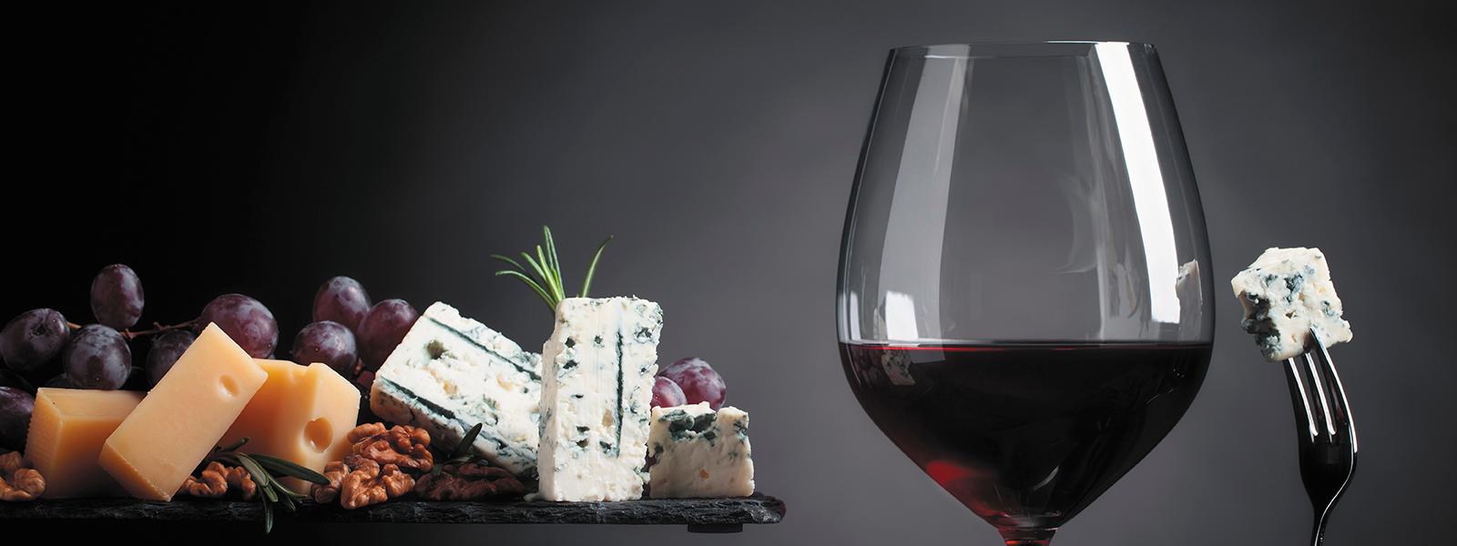 Arrangement Bild Wein und Käse